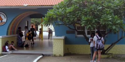 aruba_oranjestad_mon_plaisir_school_cropped